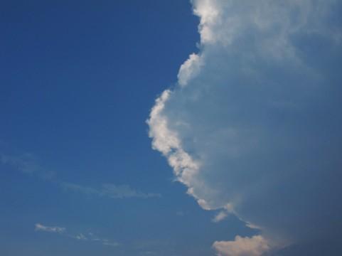 雨雲イメージ