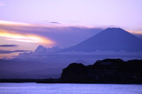 富士山と雲イメージ