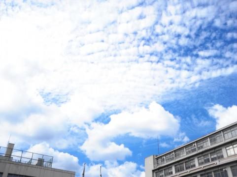 夏の雲イメージ