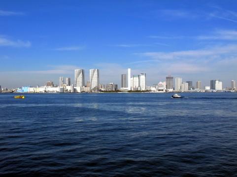 海と街イメージ