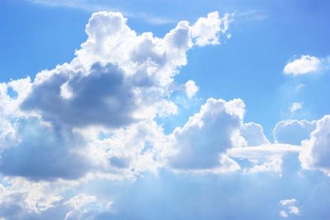 巨大雲イメージ