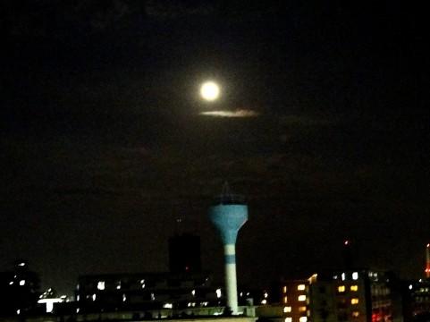 月明かりイメージ