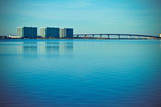 アラバマ州橋と海イメージ